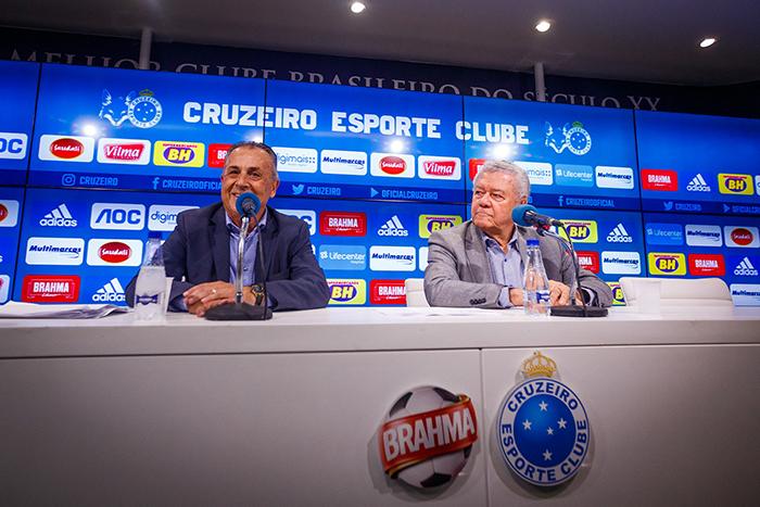 No Cruzeiro, em um primeiro momento, Ocimar vai trabalhar ao lado de Mattos, dispensado pelo Palmeiras na reta final do Campeonato Brasileiro do ano passado