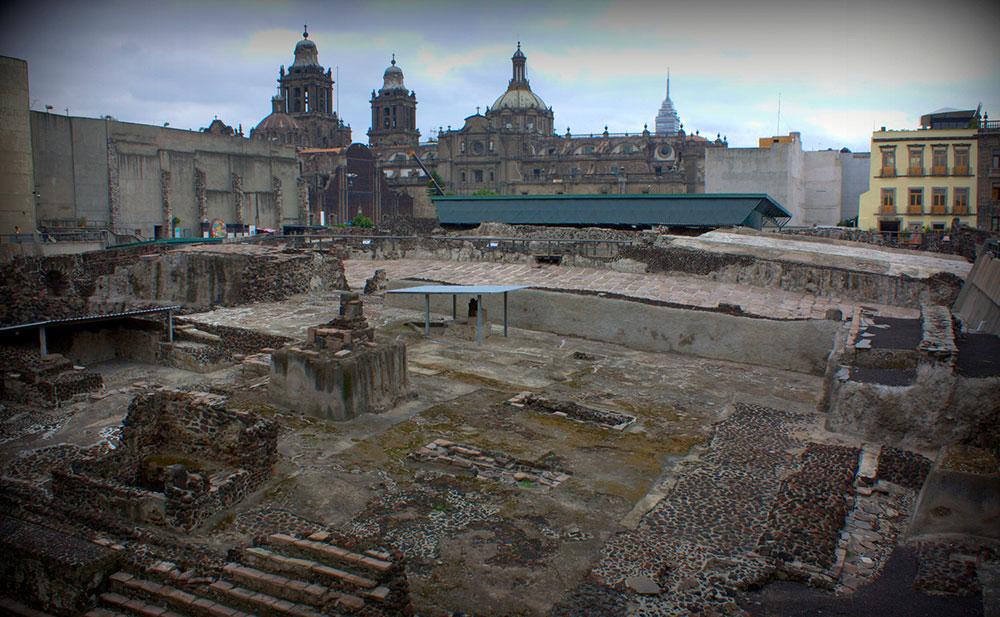 A barra de ouro foi descoberta no centro da Cidade do México, sobre onde eram as ruínas da capital asteca, Tenochtitlán