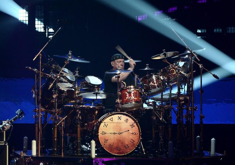 Neil Peart, numa apresentação no Salão da Fama do Rock and Roll, em Los Angeles, em abril de 2013