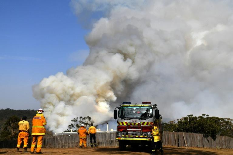 As temperaturas mais suaves podem se prolongar na Austrália, dando aos bombeiros a possibilidade de controlar alguns dos incêndios que devastam o sudeste do país
