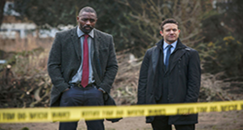 John Luther (Idris Elba) e Justin Riplay (Warren Brown) em cena da 3ª temporada (Divulgação/  Copyright BBC 2013)