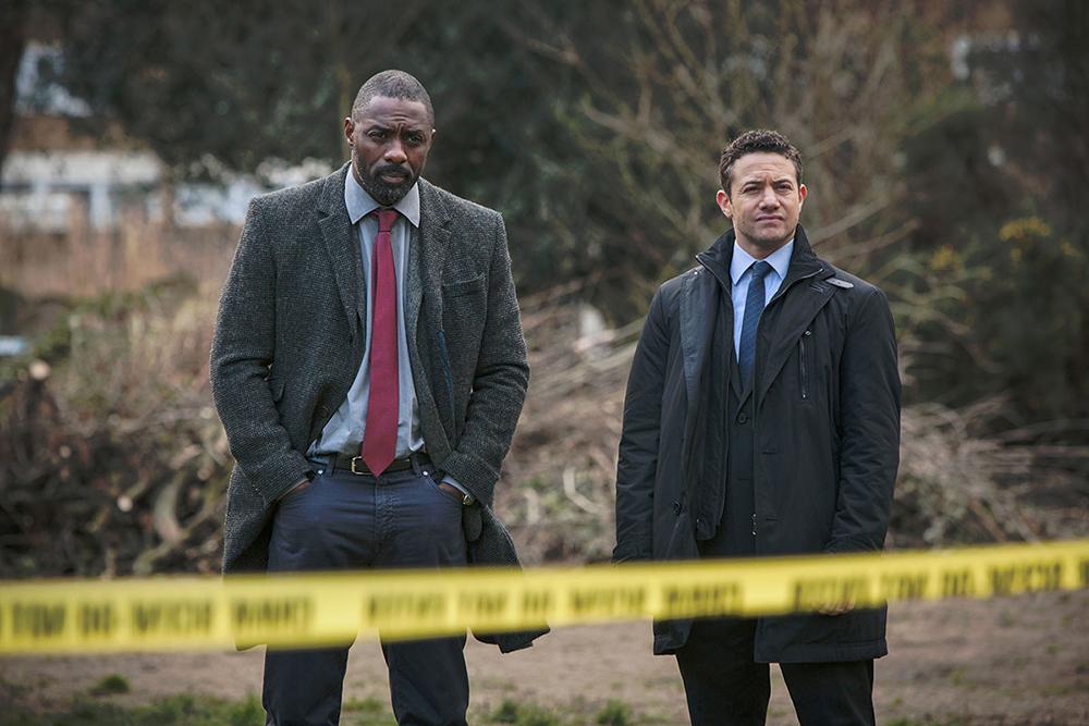 John Luther (Idris Elba) e Justin Riplay (Warren Brown) em cena da 3ª temporada