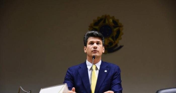 Gustavo Montezano afirmou que planeja aumentar sua atividade em saneamento e gás natural