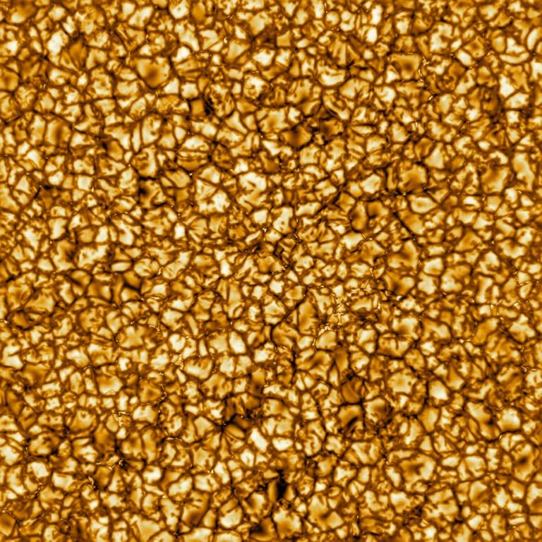 O sol visto pelo telescópio solar Inouye. Essa área representa uma região solar de 36.500 km por 36.500 km