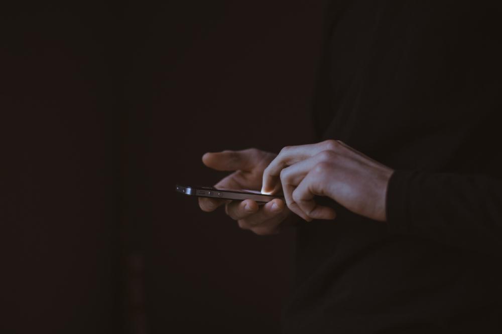 Na internet, os Narcóticos Anônimos passaram a divulgar um cronograma com horários de suas reuniões virtuais
