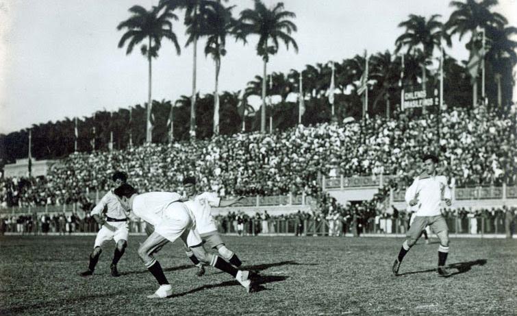 Seleção brasileira de futebol joga no Estádio das Laranjeiras