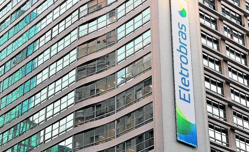 O governo prevê levantar cerca de R$ 16 bilhões com a desestatização da Eletrobras