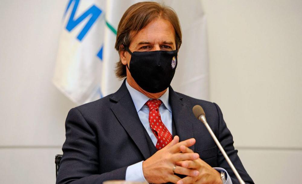 O presidente uruguaio Luis Lacalle Pou durante reunião de gabinete em Montevidéu