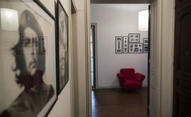 Fotografias de Che decoram paredes do apartamento em Rosario (AFP)