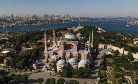 Vista aérea da Basílica de Santa Sofia de Istambul, transformada em museu (AFP)
