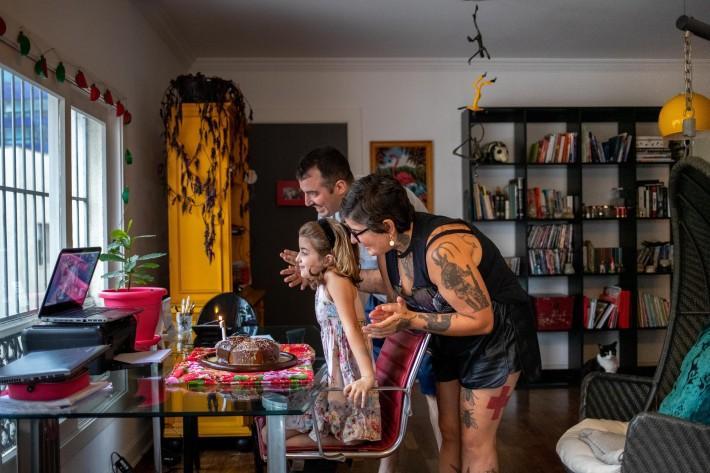 Famílias se adequam ao novo normal durante pandemia