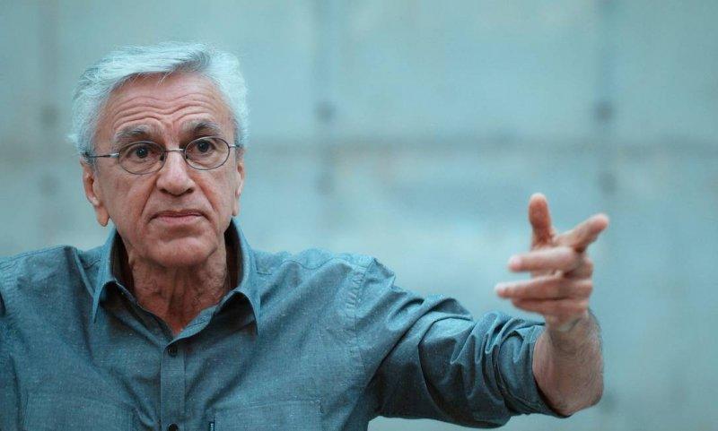 Filme refere-se à experiência de prisão de Caetano Veloso durante a ditadura militar