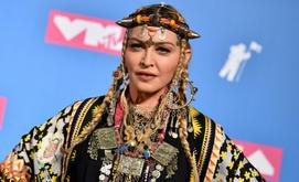 Madonna posa para os fotógrafos nos prêmios MTV Video Music Awards em Nova York, em 2018 (Angela Weiss/AFP)