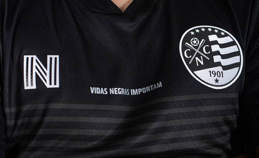 Para lançar a camisa preta, o Conselho Deliberativo do clube realizou sessão extraordinária. O Náutico nunca tinha usado a cor em seu uniforme porque o time é branco e vermelho