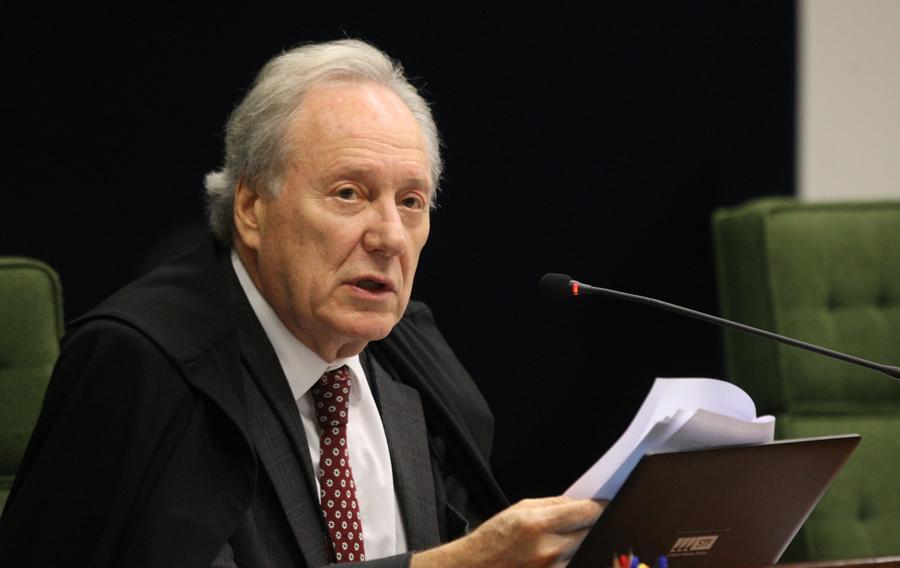 Decisão do ministro Ricardo Lewandowski surpreendeu partidos