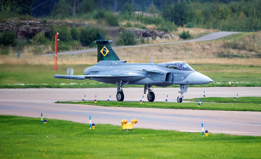 Brasil comprou 36 aeronaves; A primeira foi apresentada dia 23 de outubro