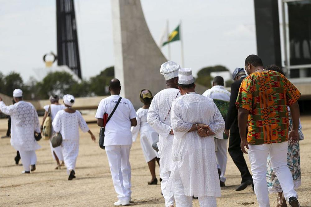 O candomblé, sendo uma religião afro-brasileira, lutou muito para sobreviver até os dias atuais e só conseguiu por meio de sua hierarquia