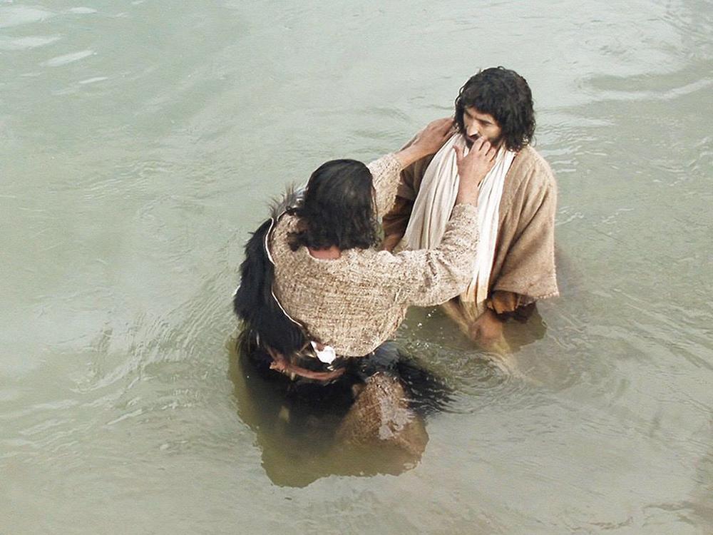 Em seu batismo, Jesus ficou como que 'tatuado' pelo amor do Pai