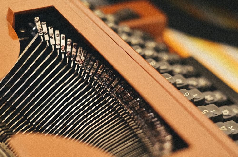 Quando Artur se entregava a uma criação, pensava, pensava e pensava diante da máquina de escrever