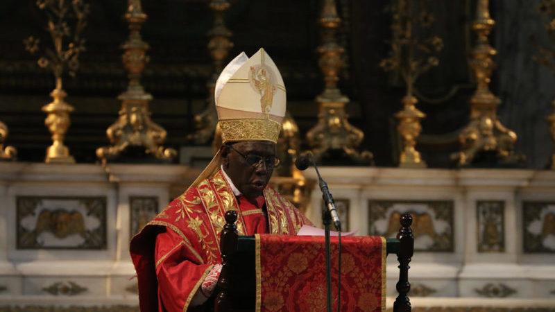 Cardeal Sarah foi nomeado por Francisco a prefeito da congregação para o culto divino em 2014