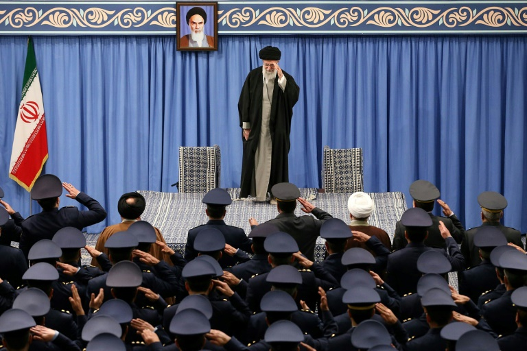 Líder supremo do Irã, o aiatolá Ali Khamenei, em 8 de fevereiro de 2020