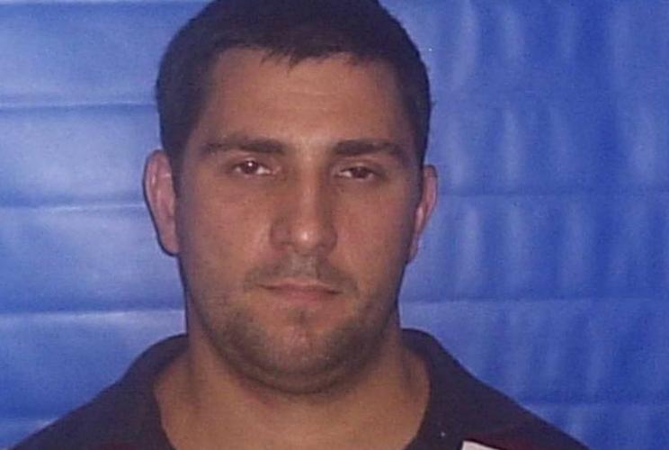 Adriano trabalhou no 18º Batalhão da PM com Fabrício Queiroz, o ex-assessor de gabinete de Flávio Bolsonaro