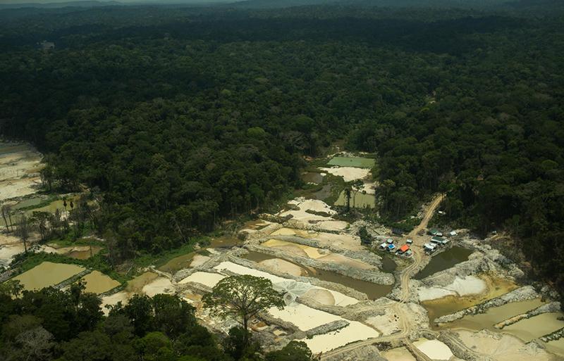 Destruição causada pelo avanço do garimpo ilegal dentro da Terra Indígena Munduruku, no Pará