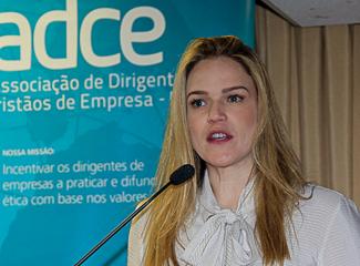Maria Flávia Cardoso Máximo, professora da Dom Helder Escola de Direito (ADCE-MG)