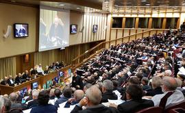 Presença feminina na assembleia do sínodo foi mínima (synod.va)