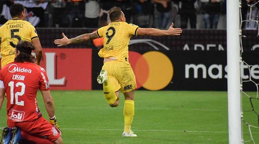 Gol de falta tirou colocou ponto final na história do Corinthians na Libertadores 2020