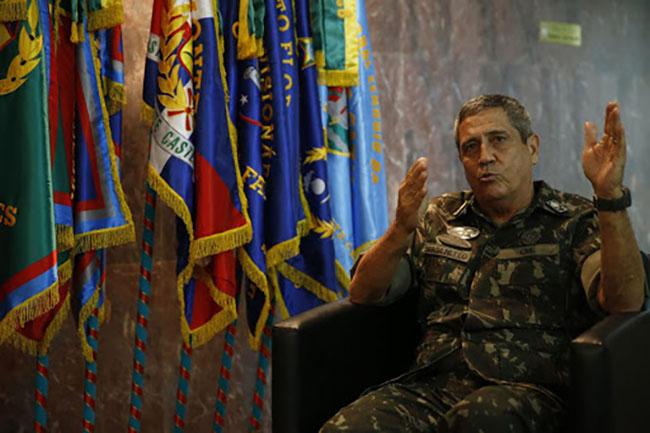 Braga Netto foi o responsável pela intervenção federal na segurança do RJ, em 2018
