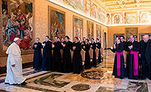 Papa Francisco durante visita à Pontifícia Academia Eclesiástica, em 2015 (L'Osservatore Romano)
