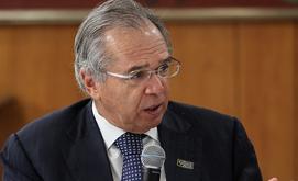 Ministro Paulo Guedes (à esq) comanda mudanças e traça as estratégias (Isac Nóbrega/PR)