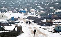 Campos de refugiados não comportam mais o fluxo de deslocados por causa do conflito (AFP)