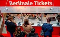 Venda de ingressos para  Berlinale, na capital alemã, que terá início na quinta-feira (AFP)
