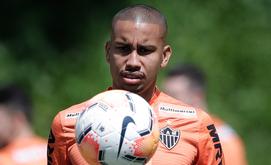Volante Jair prefere jogar mais recuado (Bruno Cantini/Agência Galo/Atlético)