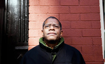 Paul Beatty, escritor americano (Alex Welsh/The New York Times)