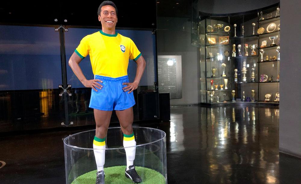 Estátua de cera de Pelé é inaugurada no Museu da Seleção Brasileira