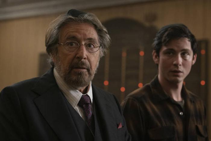 O diretor inspirou-se em algo bem pessoal para criar 'Hunters'. Sua avó, sobrevivente do Holocausto, costumava contar a ele lembranças da guerra