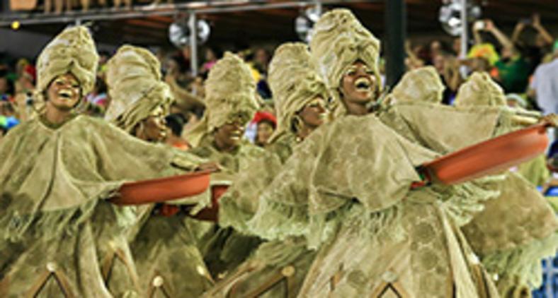 Comissão de frente da Unidos do Viradouro representando as lavadeiras de Itapuã (Raphael David | Riotur)