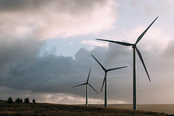 Turbinas eólicas, por sua vez, consomem entre 0,1% e 14% dessa mesma quantidade