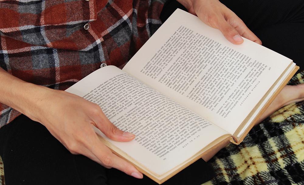 Há mais de 50 anos vou na direção dos livros e me cerco deles por todos os lados