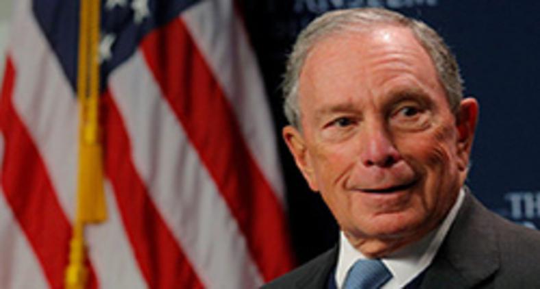 Michael Bloomberg é dezessete vezes mais rico do que Trump, sendo um homem de negócios muito bem-sucedido, que nunca faliu e não tem telhados de vidro (Reuters/ Brian Snyder)