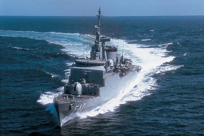 Trata-se de máquinas de guerra sofisticadas, lançadoras de mísseis e torpedos pesados