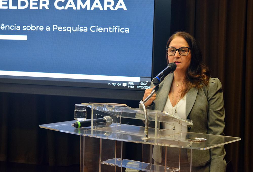 Professora Beatriz Costa, pró-reitora de pesquisa