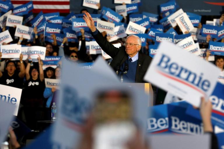 Bernie Sanders está na retaguarda depois que seu rival Joe Biden acelerou na corrida presidencial democrata