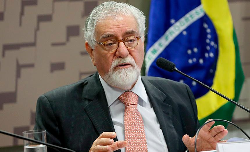Lafer explicou que em um cenário internacional complexo é preciso promover o diálogo.