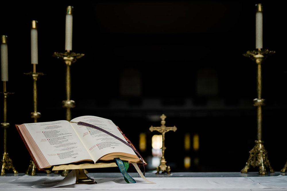 Recomenda-se que liturgias sejam feitas sem povo e que sejam transmitidas pelas redes sociais