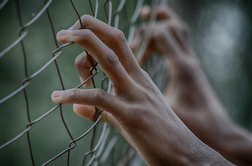 De acordo com a Defensoria Pública, recomendação do CNJ torna imperativa a libertação de todas as pessoas em situação de risco de contágio pelo novo coronavírus (Covid-19)