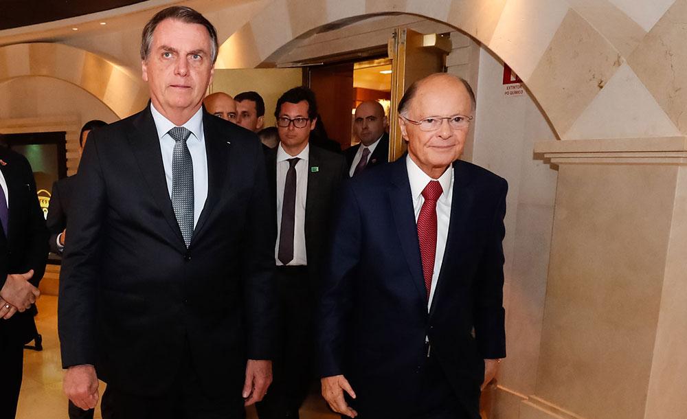 Bolsonaro e o bispo Edir Macedo durante visita ao tempo de Salomão: medida é um aceno aos apoiadores evangélicos